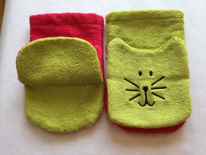 Organic cotton puppet face cloths - was £6 now £3 - these colours have been discontinued